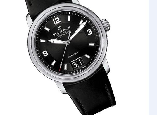 百达翡丽手表更换电池